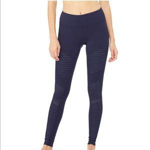 "Alo Yoga Moto Leggings - 28"", size medium"